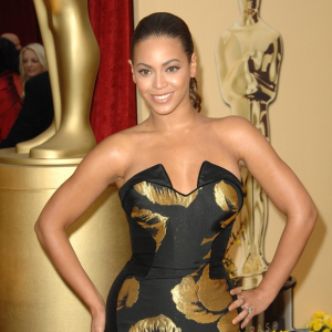 Fan Smacks Beyonce's Bum in Copenhagen & Jay-Z Second Baby Rumors