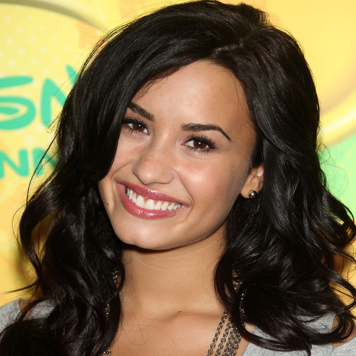 "Demi Lovato Directs ""Made In USA"" Video, Lovato Treatment Scholarship"