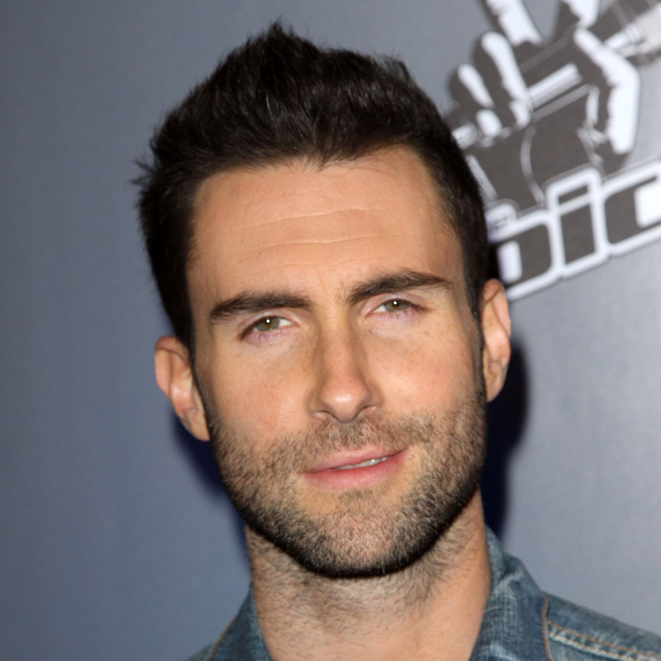 Adam Levine Engaged to Behati Prinsloo, Victoria's Secret Model