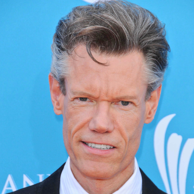 Randy Travis in Critical Condition Following Pneumonia, Cardiomyopathy