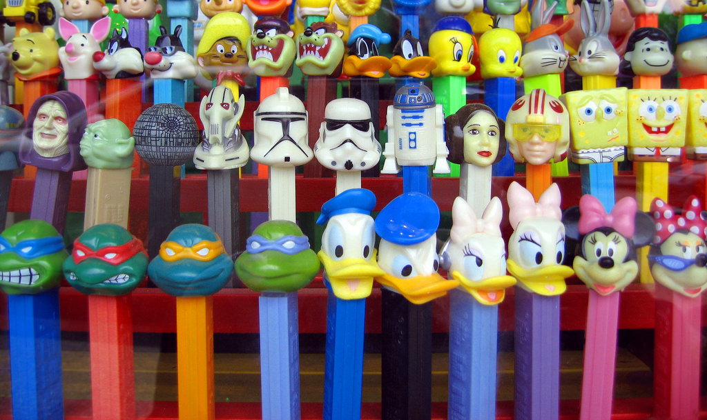 pez-dispensers-collectible