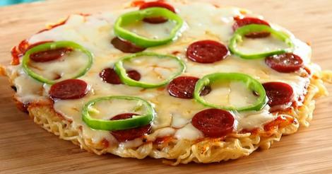 ramen-noodle-pizza