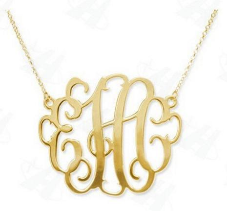 the-monogram-necklace-gold
